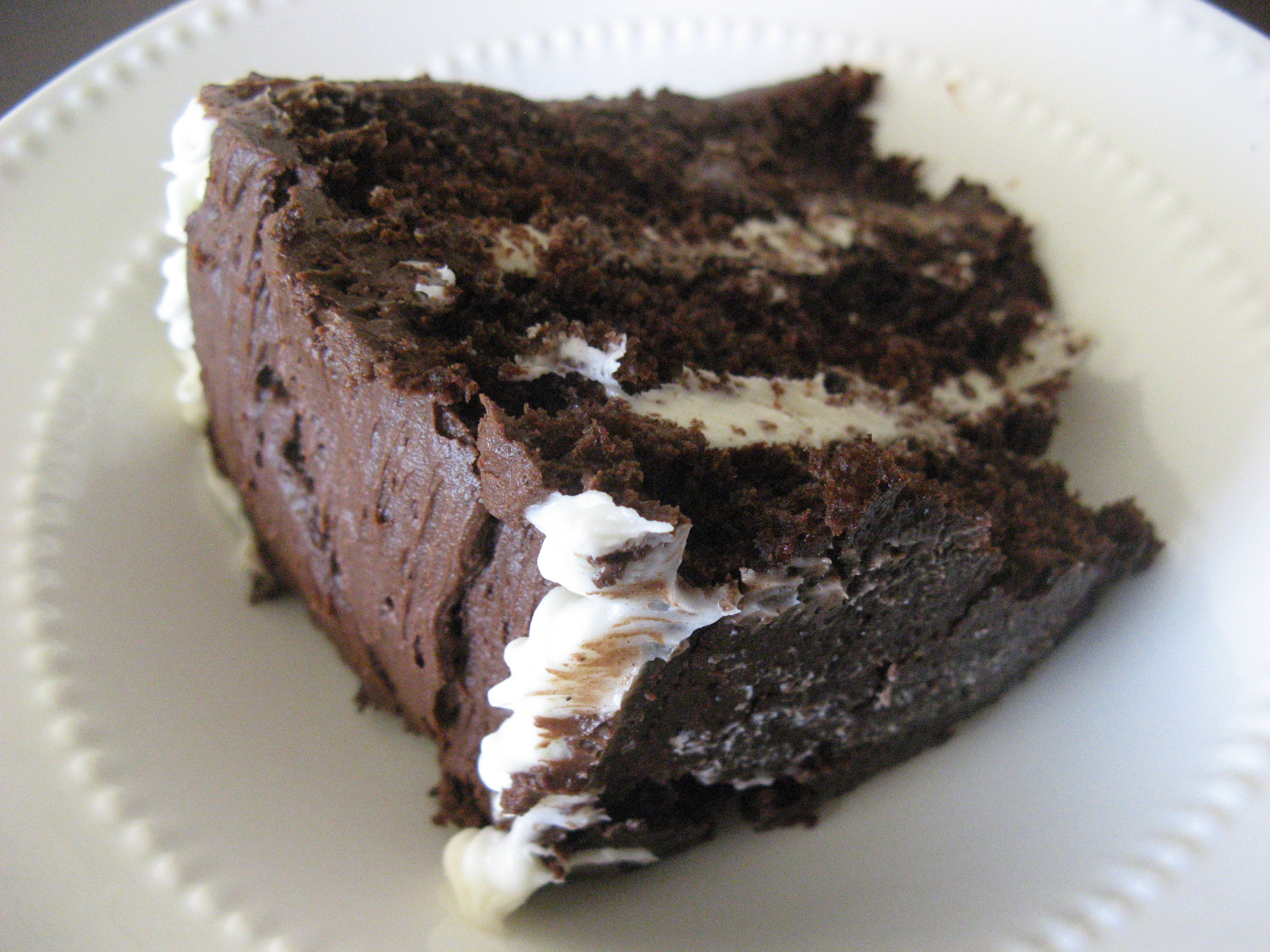 Cake With Cream Layer : Recipe: Chocolate Layer Cake with Cream Cheese Filling and ...